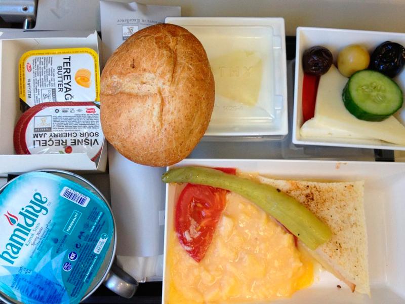 Café da manhã pela Turkish Airlines entre Berlin e Istanbul