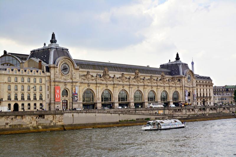 fachada do Musèe d'Orsay TOUR EIFFEL