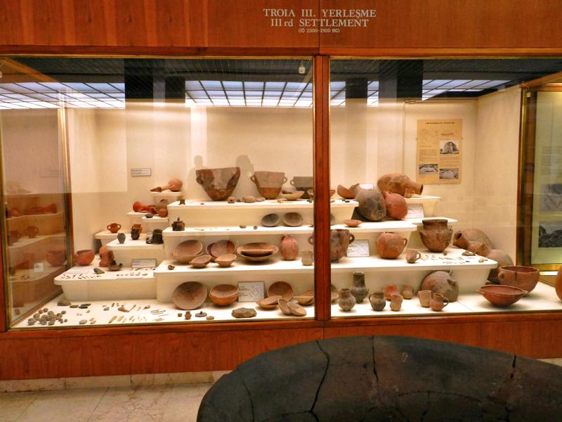 objetos encontrados em Troia no Istanbul Arkeoloji Müzeleri - Anasayfa