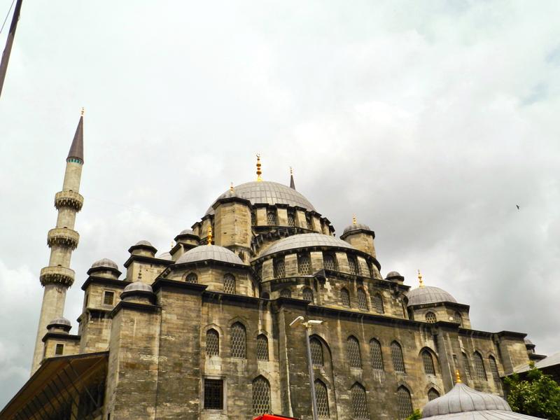 Yeni Camii a Mesquita Nova de Istambul lado histórico