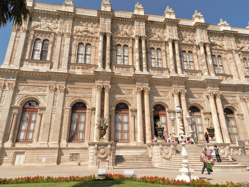 Dolmabahçe Sarayı ou palácio Dolmabahçe em Istambul