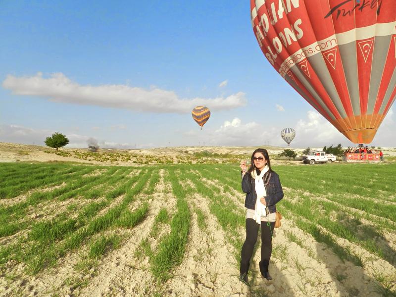 brinde de espumante no final do passeio de balão na Capadócia, Turquia