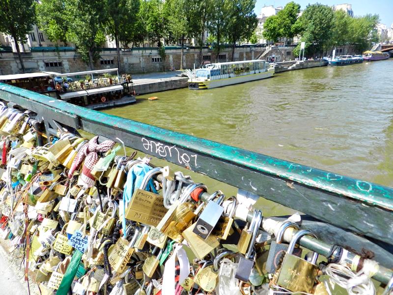 Dicas de viagem ao bairro de Paris: NOTRE DAME, Pont L'archevéché