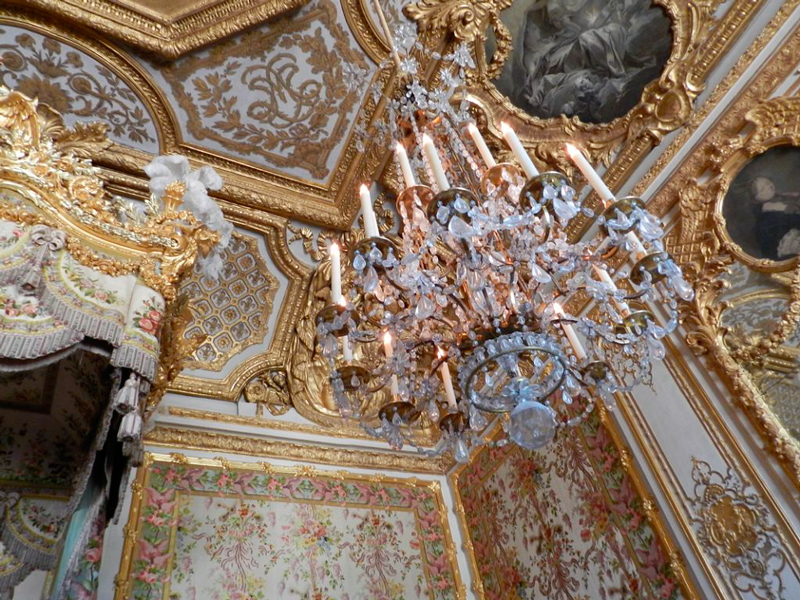 lustre no Chateau de Versailles na França
