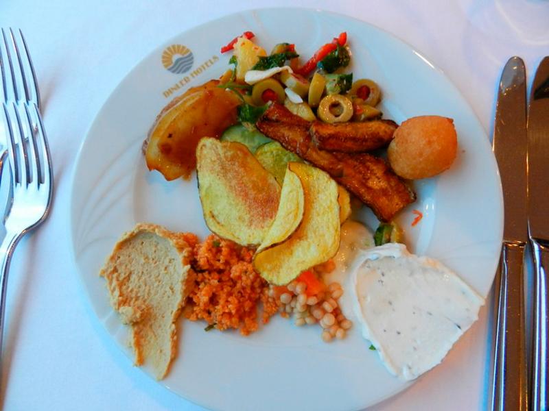 almoço no hotel dinler em urgup capadocia turquia