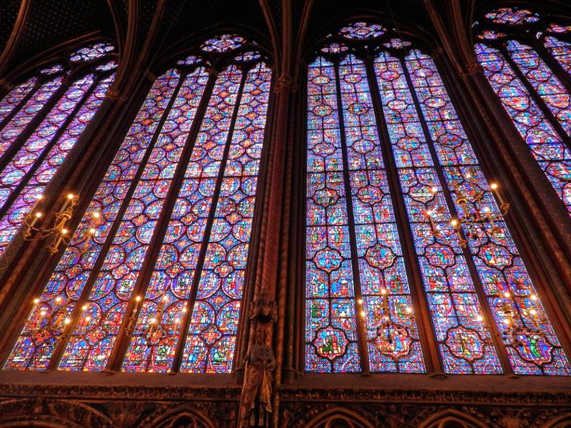 vitrais da saint chapelle em paris na frança