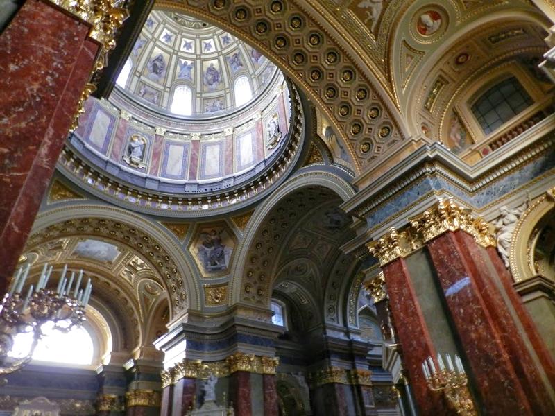 interior da Szent István Bazilika