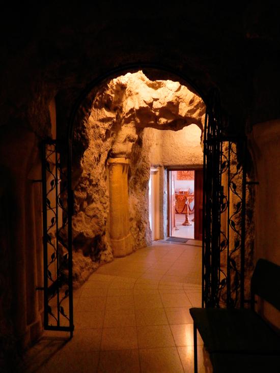 interior da Sziklatemplom de Budapest