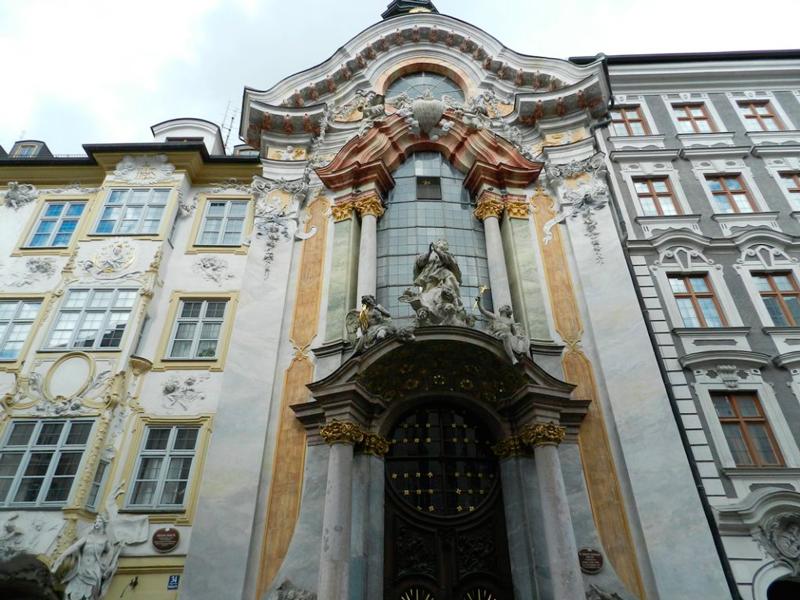 Fachada da Asamkirche Dicas de Viagem à MUNIQUE