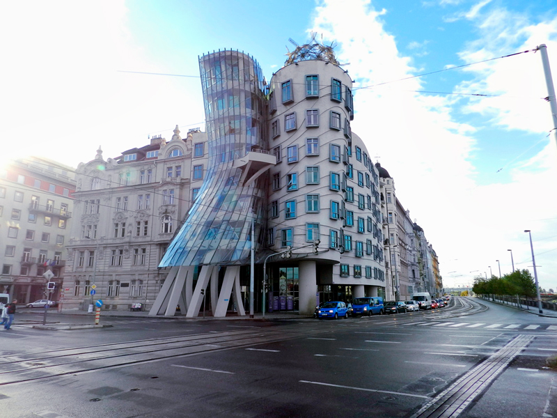o prédio Tančící dům Viagem a praga na tchéquia