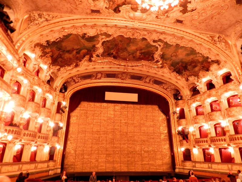 Palco da State Opera de Praga