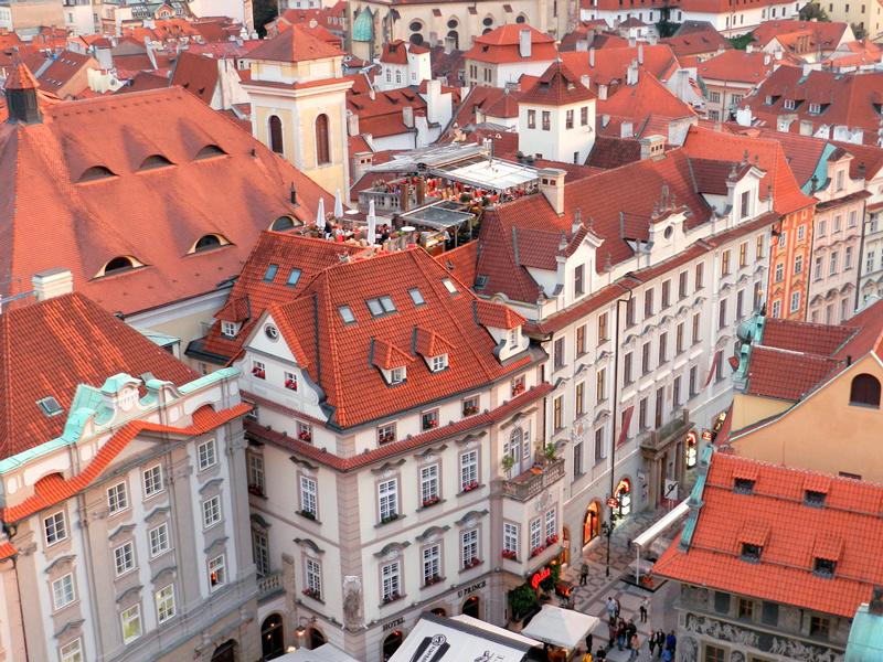 Vista do topo do Orloj da Staroměstská Radnice em Praga