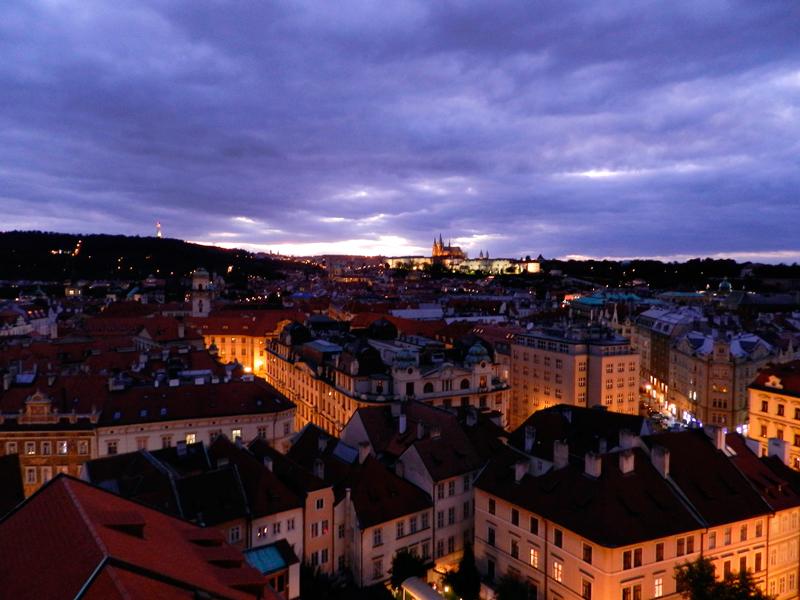 Vista do Castelo de Praga a partir do Orloj da Staroměstská Radnice Viagem a praga na tchéquia