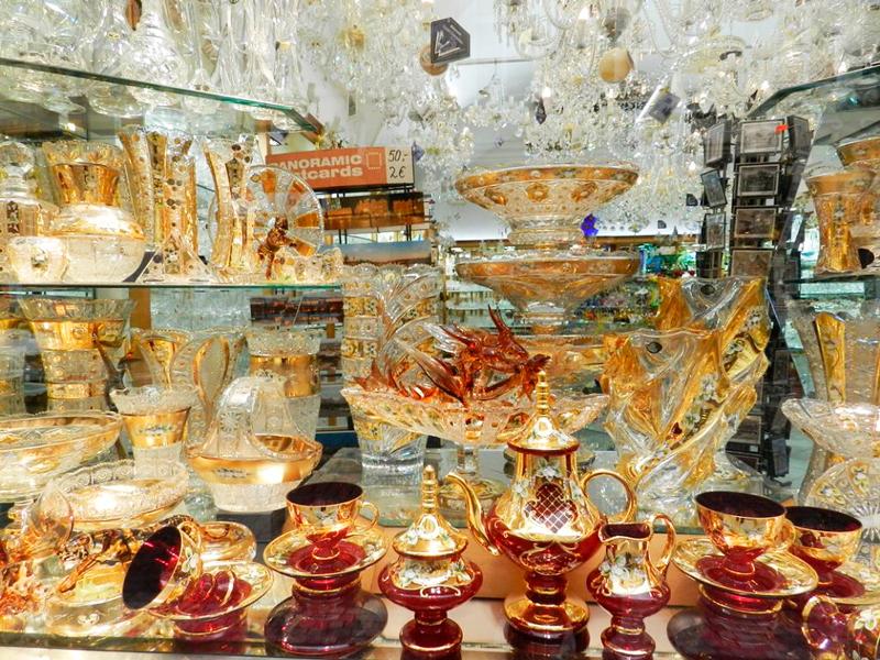 Cristais de souvernir em loja Viagem a praga na tchéquia