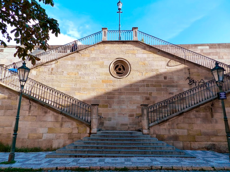 Escadaria para Na Kampě