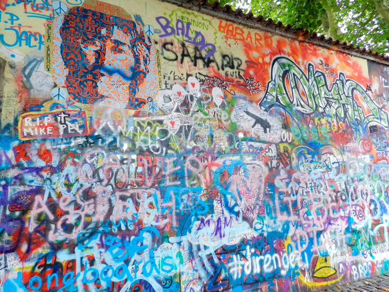 Lennon na Na Kampě em Praga