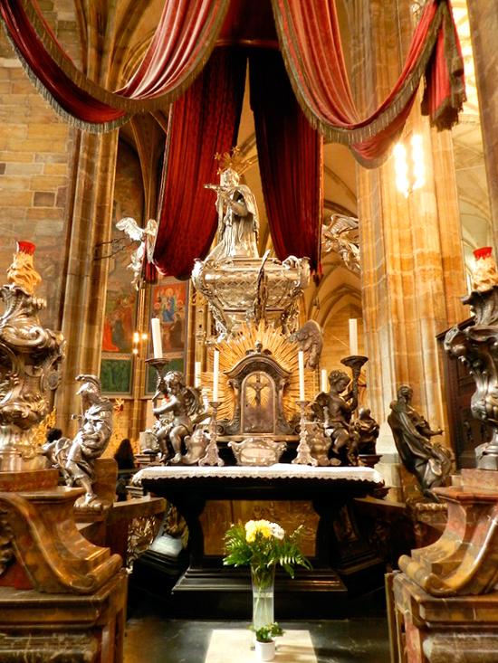 Túmulo de São João Nepomuceno da Katedrála svatého Víta do Castelo de Praga