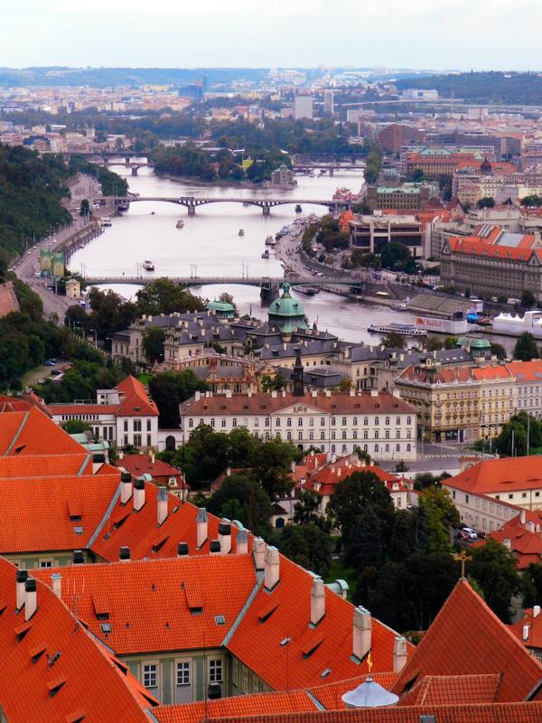 Vista do topo da Katedrály Sv. Víta em Praga