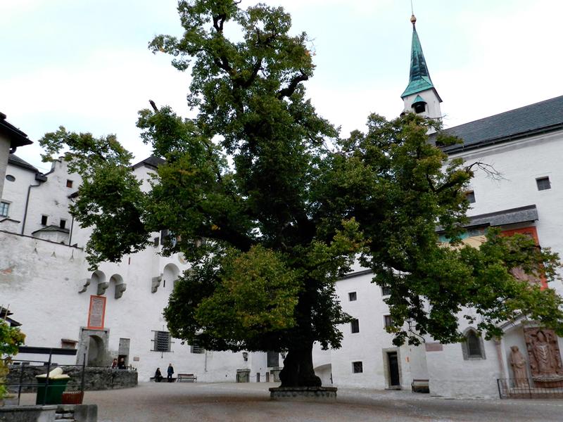Pátio interno da fortaleza de Salzburg