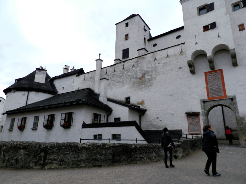 Dentro das muralhas do Castelo de Salzburg