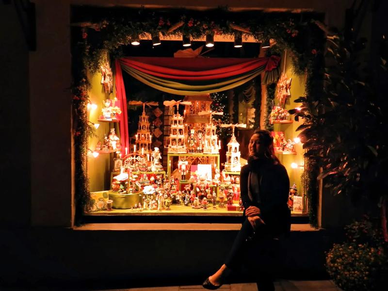 vitrine à noite em Rothenburg Ob Der Tauber