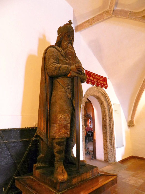 Dentro do Festung Hohensalzburg em Salzburg