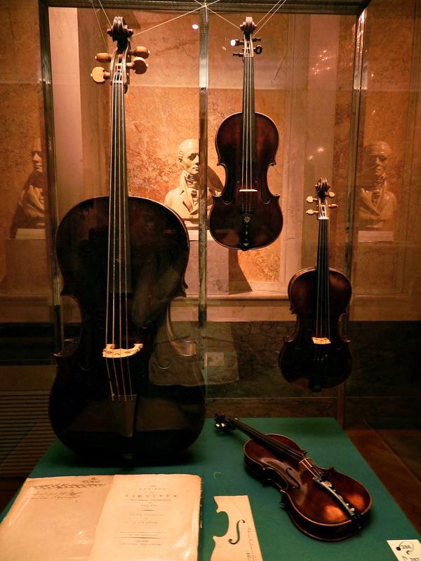 instrumentos musicais no Kunst Historisches Museum Wien