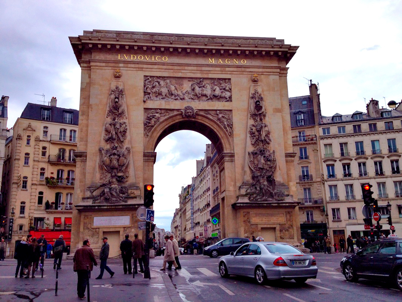 Porte Saint-Denis, Bourse, Paris, France