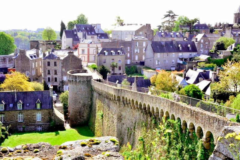 Vista a partir do muro de Dinan na França