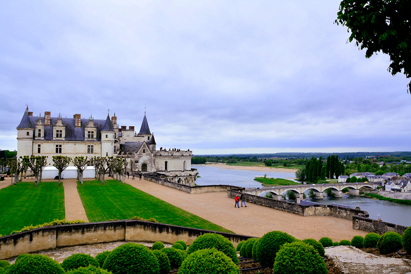 vista do jardim do Château d'Amboise no Centre da França