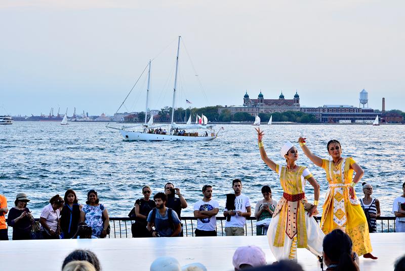 dança indiana no Battery Park de New York