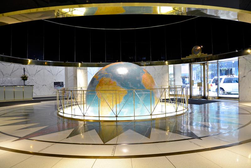 O globo do Daily News Building, Midtown, Manhattan, New York, NYC, USA, EUA