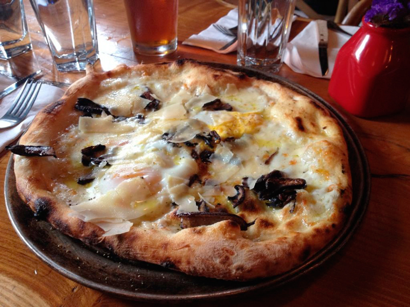 pizza da Shelter Pizza em new york