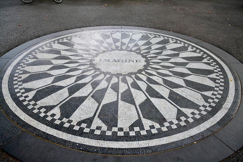 mosaico Imagine em homenagem a John Lennon central park em new york começo do outono