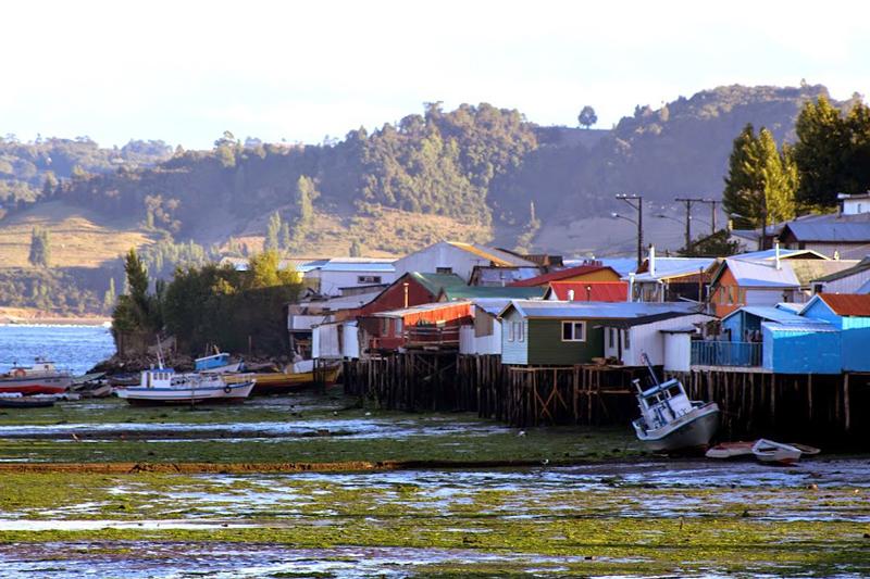 Palafitos na cidade de Castro na region de los lagos no chile