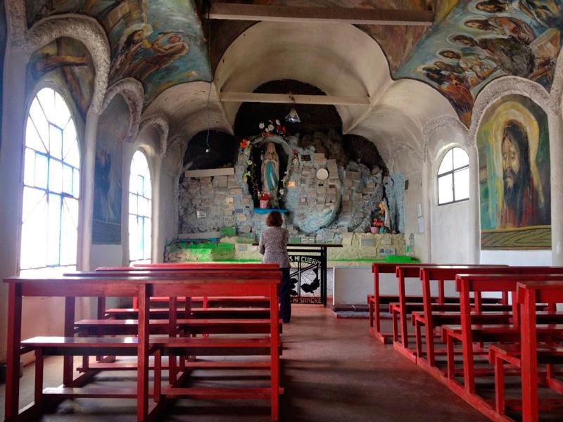 Gruta del Padre Negro em Caldera no Chile