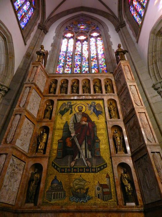 Lindo altar de capela