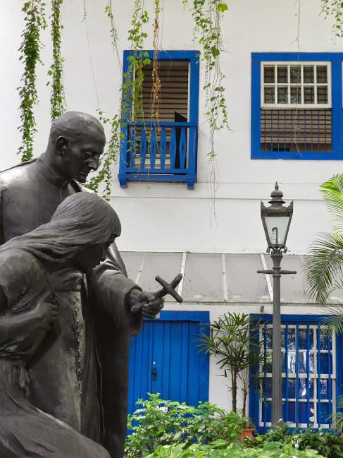 Estátua do Padre Anchieta