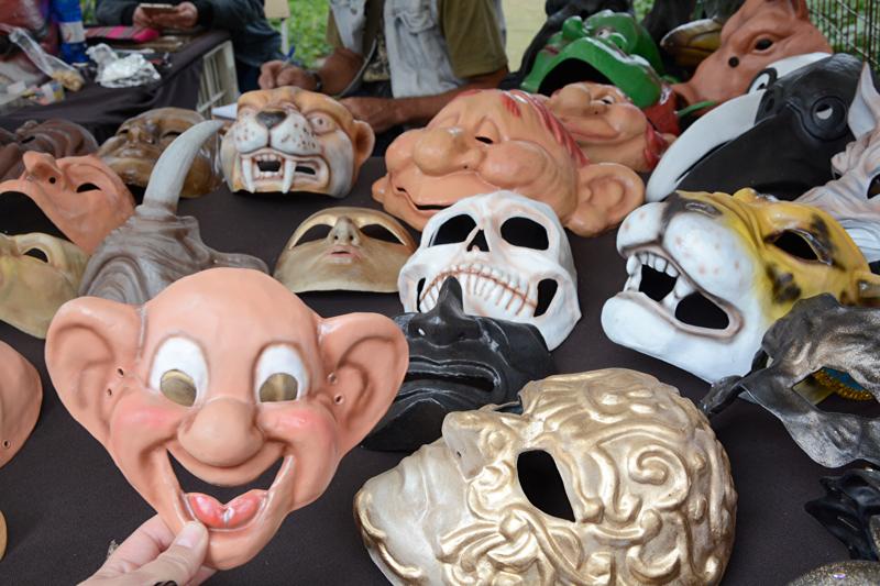 máscaras na Feira da Benedito Calixto de Pinheiros em São Paulo