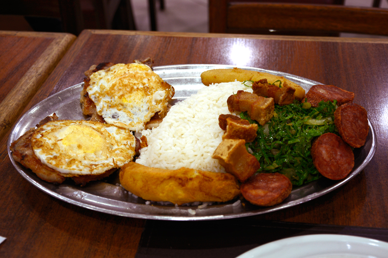 O Virado a Paulista para dois no Salada Record em Sao Paulo