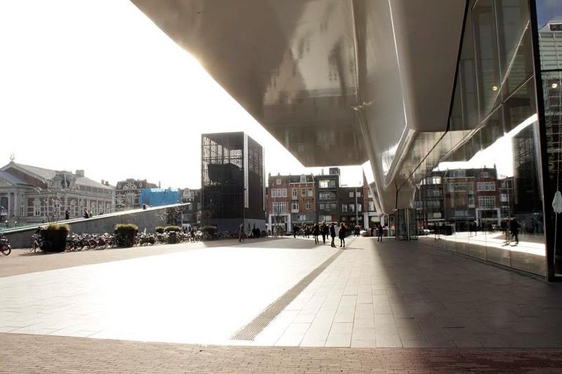 Stedelijk Museum em Amsterdã na Holanda