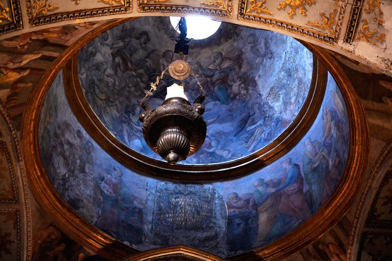 Detalhes da Basilica di Santa Restituta na Duomo di Napoli