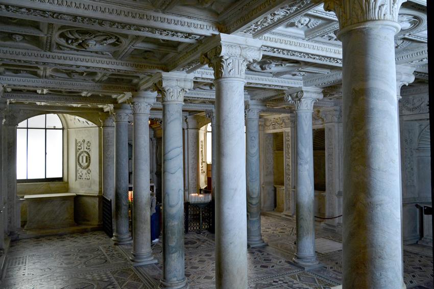 Duomo di Napoli, Naçpoli, Italia