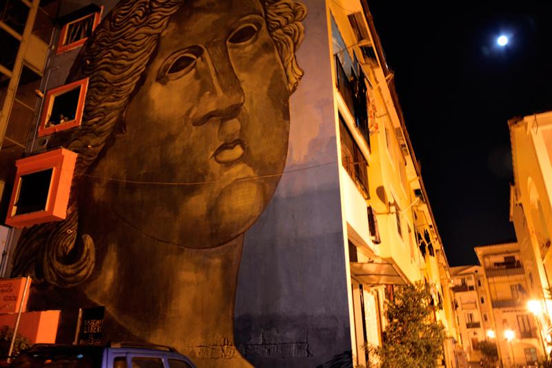 graffiti na Le Fornelle em Salerno, Italia