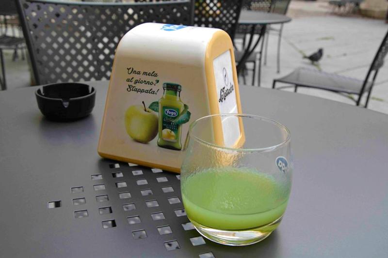 Suco de maçã industrializado italiano