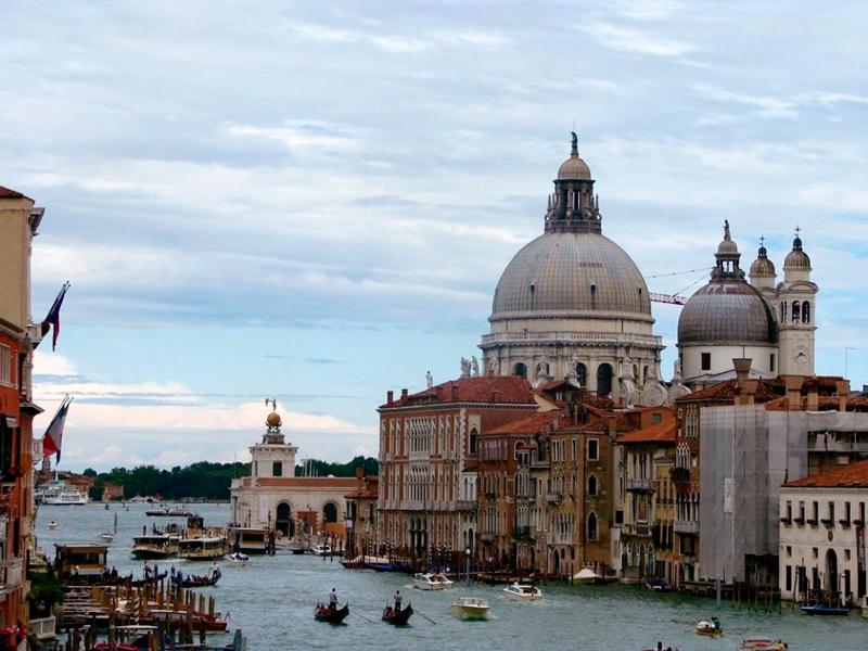 Vista de Veneza e o canal