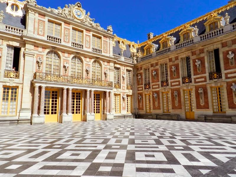 Pátio do Palácio de Versalhes