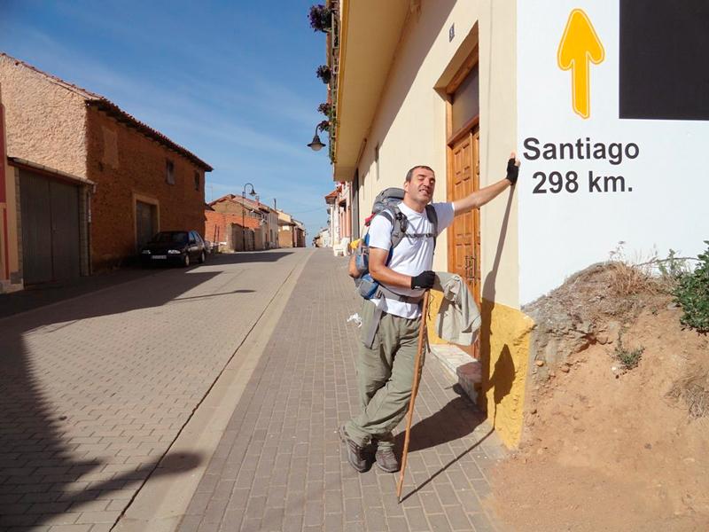 Mauro no trajeto de Santiago de Compostela