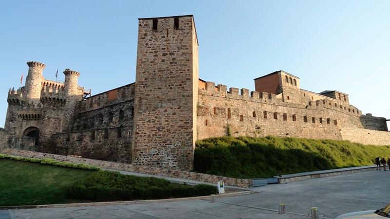 Fortaleza Templária em Ponderada na Espanha