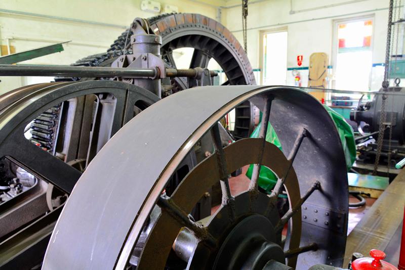 Maquinário dos bondinhos do Funicular de Santos